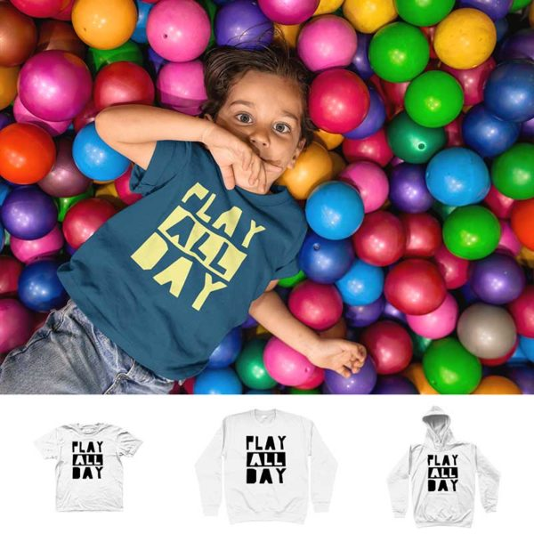 "T-shirt ""PLAY ALL DAY"""