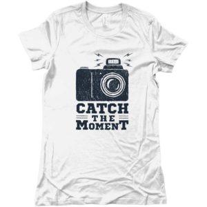 maglietta_CATCH-THE-MOMENT_-BIANCO-vestiti-estivi-uomo-donna-abbigliamento-ottimo-design-milano-wippio