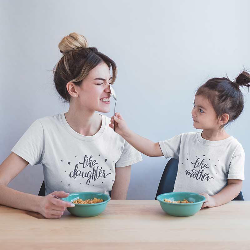 magliette-famiglia-lino-simpatiche-abbinamento-mamma-figlia-wippio-magliette-italia