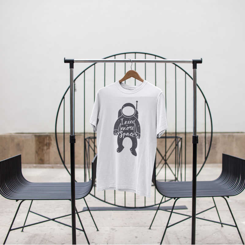 sbarco-sulla-luna-curiosità-anniversario-allunaggio-1969-Apollo-11-Neil-Armstrong-t-shirt-collezione-moda-abbigliamento-uomo-maglietta-bianca-saldi