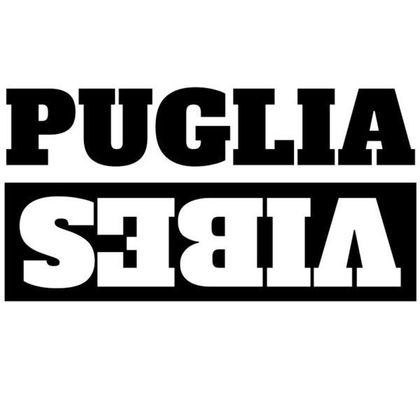 maglietta-puglia-vibes-tshirt-bianca-collezione-influencer-instagram-moda-shop-online