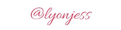 maglietta-born-in-the-90's-tshirt-bianca-collezione-influencer-instagram-moda-shop-online
